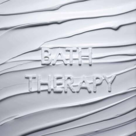 BATH THERAPY RELAXING BLEND BODY MOISTURISER